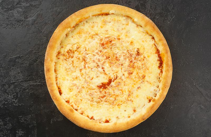 Пицца Пять сыров пышная