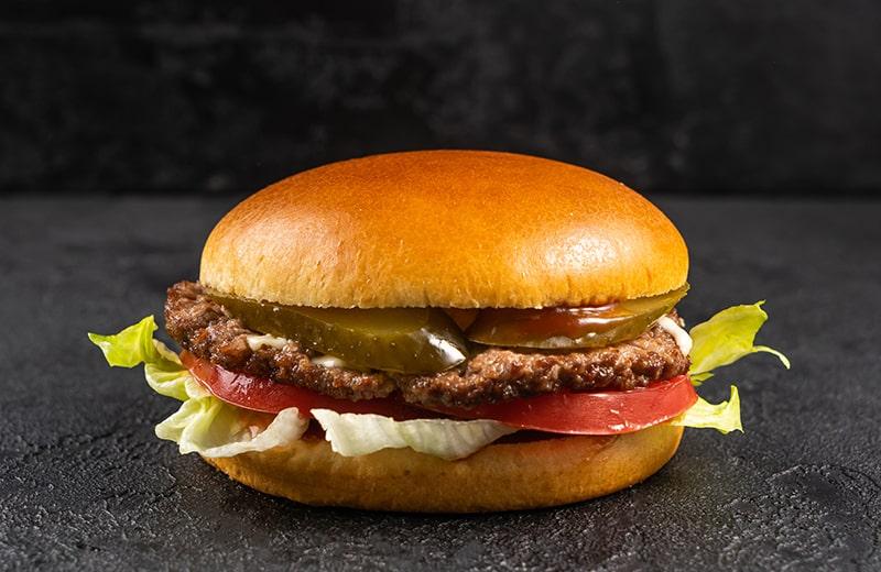 Заказ Бургер с котлетой из говядины на белой булочке